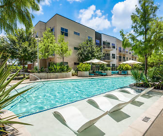 Pool, Yorktown Luxury Apartments