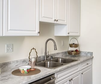 Kitchen, Seawind Apartments