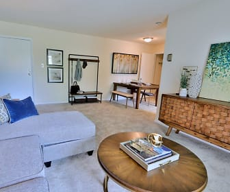 Living Room, Villages At Montpelier Apartment Homes