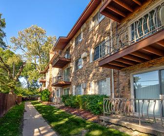 Hickory Oaks Apartments, Crete, IL