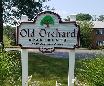 Old Orchard Apartments, Rock Creek, OH