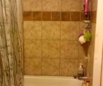 Bathroom, 924 E 5th Street
