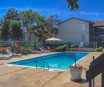 Clearwater Square Apartments, Kennewick, WA