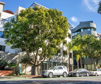 Building, Living at Santa Monica