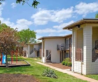 Metro Apartments at Seventy, Bel-Nor, MO