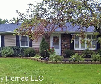 563 Janet, Canfield, OH