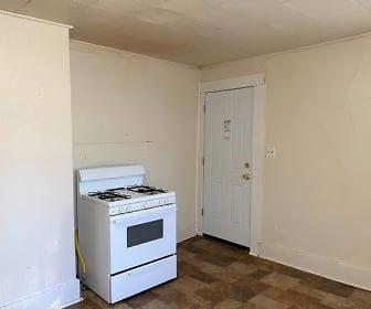 120 E. Carlton, Middle apartment, Pittsburg, KS