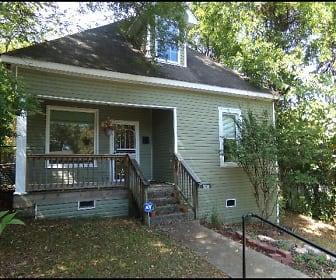 Photo 2, 320 S Oak Street