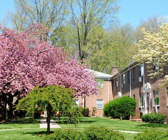 Cloverleaf Gardens, Woodbridge, NJ