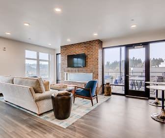 Community Lounge W/ Wifi, TV & Double Sided Fire Place, Holm At Sellwood