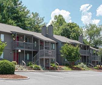 Deer Run Apartments, Walnut Hill, TN