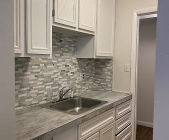 Kitchen, 102 Pony Place, Apartment 3