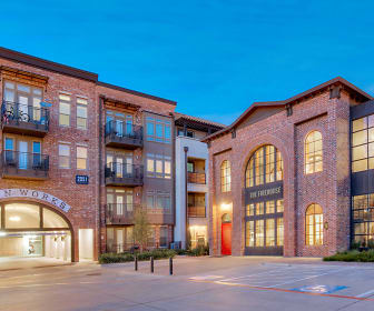 The Canal Apartments & Townhomes, Parker College of Chiropractic, TX