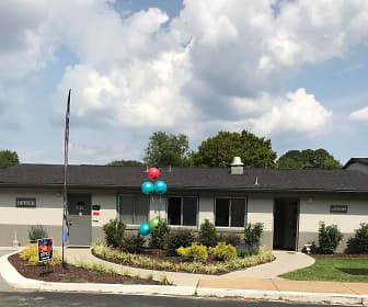 Grey Parc Apartments, Rossville Elementary School, Rossville, GA