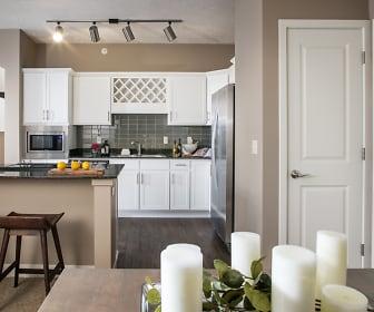 Kitchen, Broadmoor at River's Edge