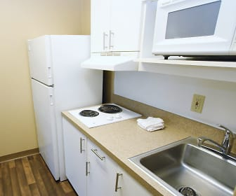 Kitchen, Furnished Studio - Bakersfield - Chester Lane