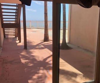 6653 Del Playa, Goleta, CA