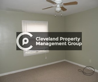 22900 Arms Ave, Willowick, OH