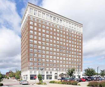 Building, Le Claire Apartments