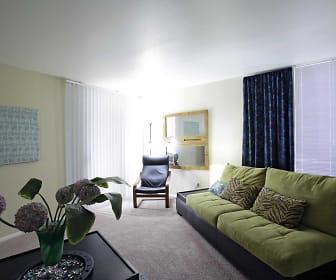 Living Room, Villas of Castle Hills