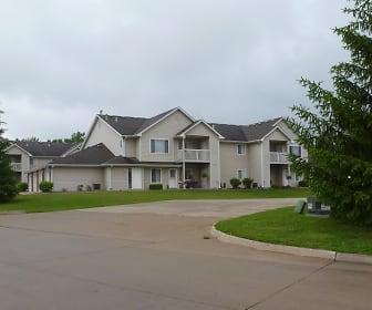 Boulder Ridge Apartments, Southeast Polk High School, Pleasant Hill, IA