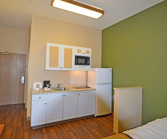 Furnished Studio - Fairbanks - Old Airport Way, Hutchison High School, Fairbanks, AK