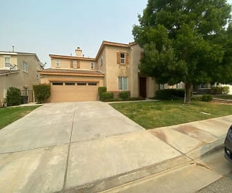2231 Thorncroft Circle, Lancaster, CA
