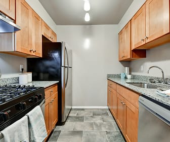 Kitchen, Creekside South Apartments