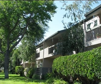 Building, Redwood Plaza Apartments