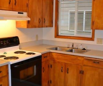 Liberty Street Apartments LLC 807-889 Liberty Street SE, Leslie Middle School, Salem, OR