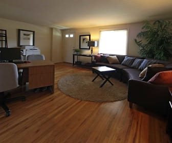 Living Room, Foxridge Townhomes