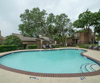 Pool, Shadow Ridge