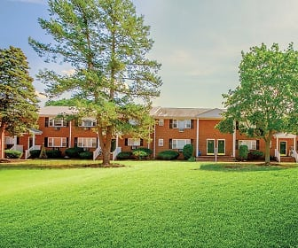 Building, Green Grove Apartments