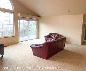 Living Room, 952 Starlite