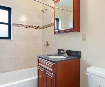 Eagle Rock Apartments At Hicksville/Jericho, Levittown, NY
