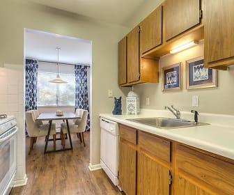 Kitchen, Ramblewood Apartments