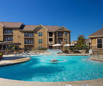 Pool, The Fountains at Meadow Wood