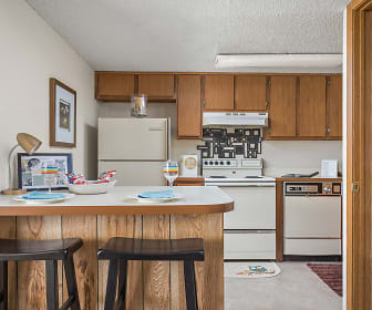 Spacious Kitchen, Breakfast Bar and Pantry - Heritage Park Apartments, Heritage Park At Pennsylvania