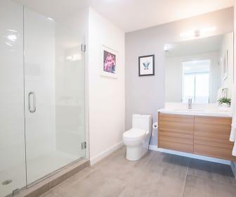 Bathroom, 2500 Biscayne