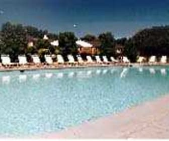 Pool, Great Oaks Apartments