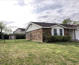 813 N Ramblin Oaks Dr, Oklahoma Health Academy  Moore, OK