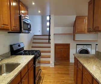 422 Ridge Rd., Evanston, IL