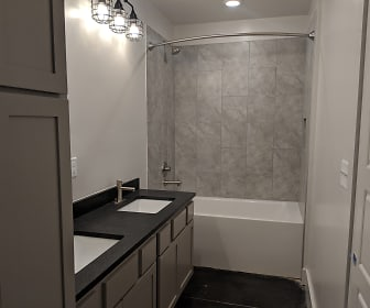Bathroom, The Lofts