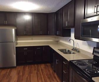 Kitchen, Oaks Lincoln Apartments
