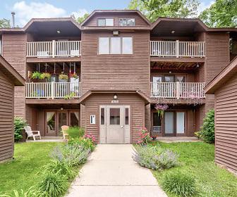 Timber Ridge Apartments, Calvin Christian Elementary School, Wyoming, MI