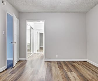 Country Club Apartments, 91405, CA