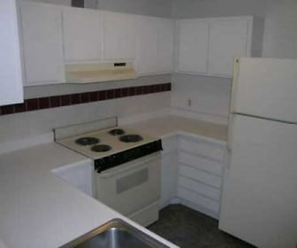 Kitchen, Brookridge Country Club Apartments