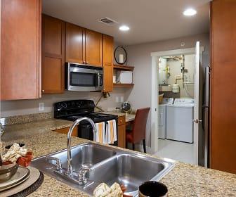 Kitchen, Lakefront Villas
