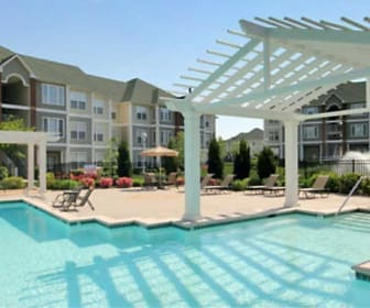 Pool, Rivermont Crossing