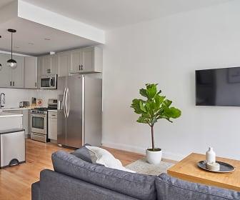 Living Room, Common Baker 355 Tompkins Ave